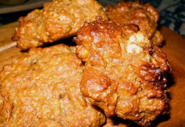 Banana-nut oatmeal cookies by night: moist cake-like nuggets perfect with hot chocolate