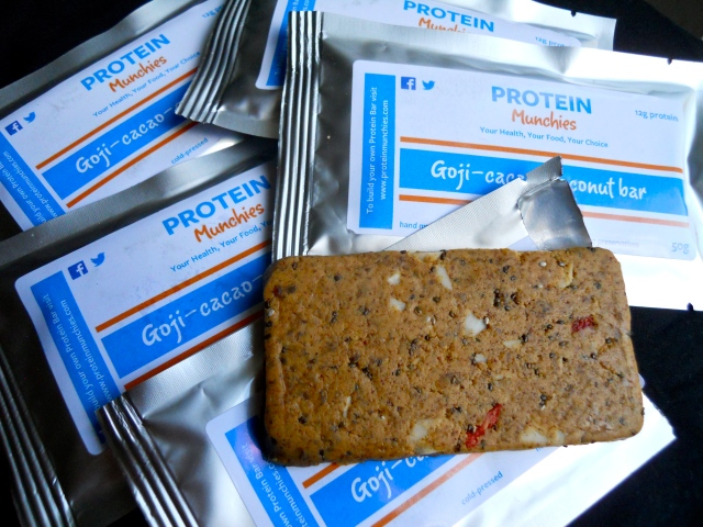Protein Munchies goji-cacao-coconut bar