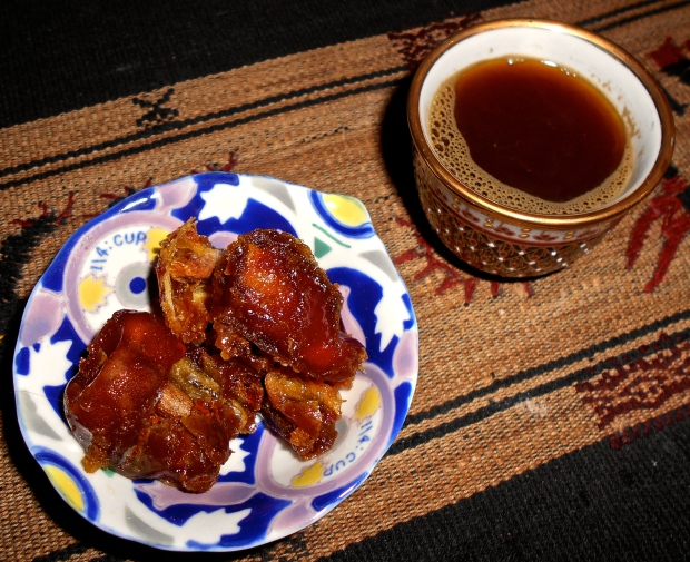 Spiced coffee and dates