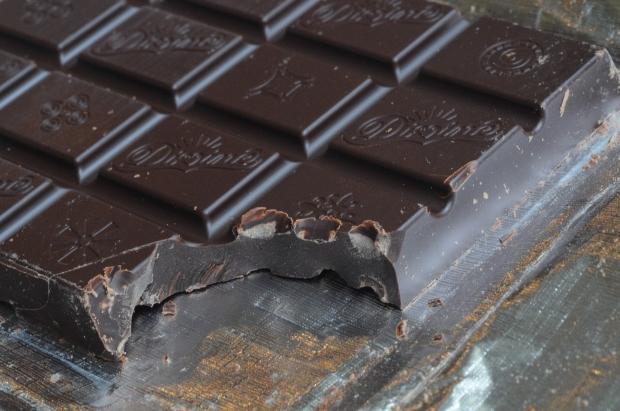 Chocolate bar bite